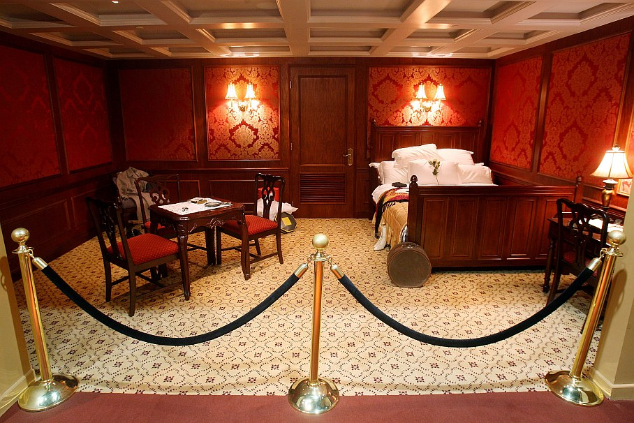 . Titanic Cabins by on Prezi