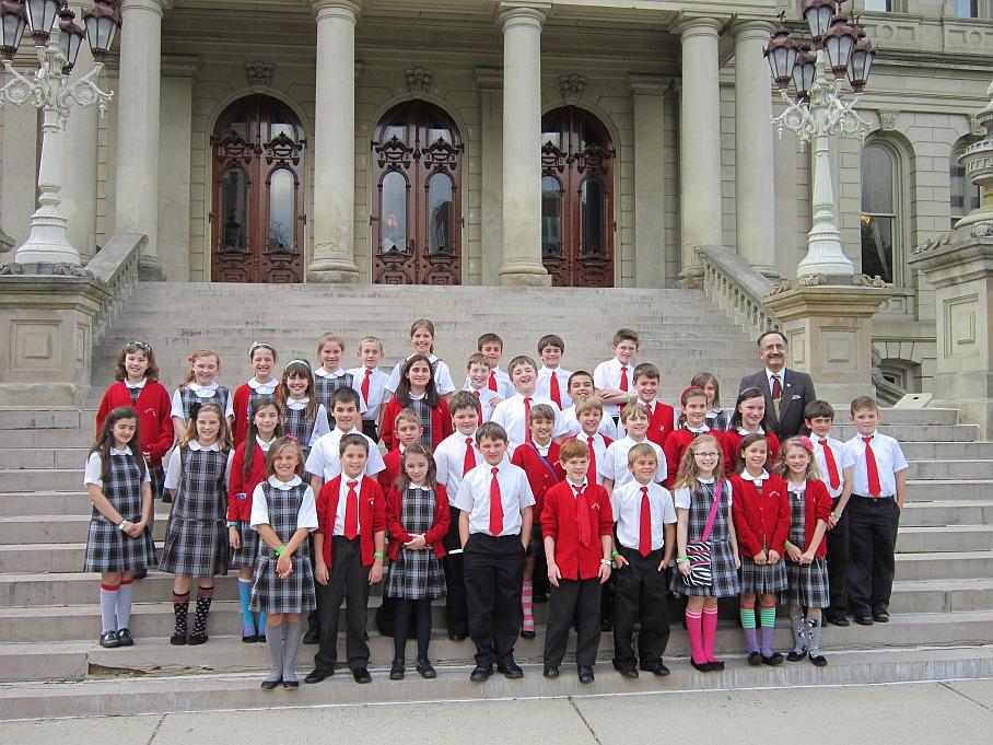 Divine Child Fourth Graders Visit Lansing